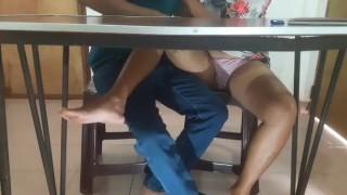 Srilankan Teacher Fuck Student පන්තියේ සර් උගන්වන ගමන් කටට දුන්නා හොරෙන් වීඩියෝ කරලා New Leaked