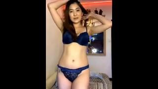 Skat Ty Nude Dance