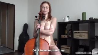 Woodman за деньги трахнул красивую скрипачку с большой грудью