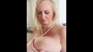 Annabel's Big Ass In Daisy Dukes