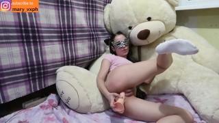 Cute Schoolgirl Fucks Her Tight Pussy On The Camera