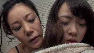 18yo ✨️ Chubby Girl Horny Milf Bed   1080p Lesbian Jav