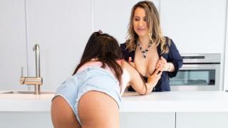 Horny Latina Step Daughter Esperanza Del Horno Seduces Her Step Mom