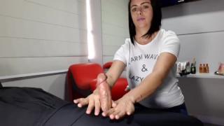 Julia Handjob Game Part 1 (no Cum)
