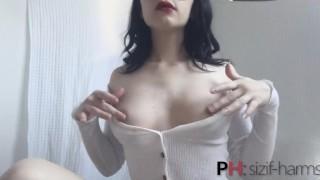 Cute Girl Masturbiruet All Their Holes   Magdalena Brick