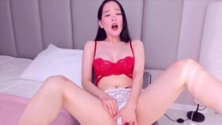 Korean Girls In Red Lingerie Masturbate…..