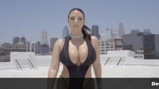 Top 10 Natural Titty Cumsluts