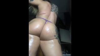 Sexy Pawg Twerking In Thong