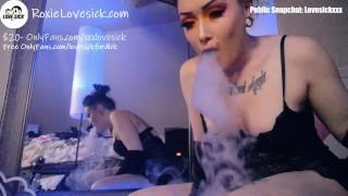 Roxie Lovesick: Tweaker Goddess Girl Smokes Meth W/ Toy Play Pussy Spread Close Up