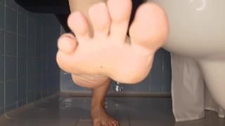 Loserporn   Jerk Off To My Wet Feet